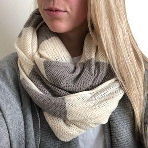 Lululemon Knit Infinity Stripe Scarf